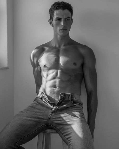 Nick Canto #sixpackabs